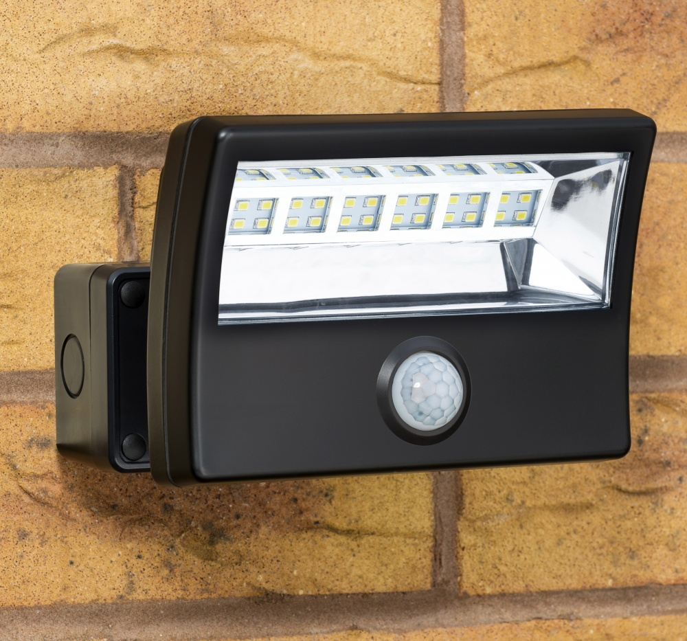 Mightylite Led Security Floodlight With Pir F4 Enterprises
