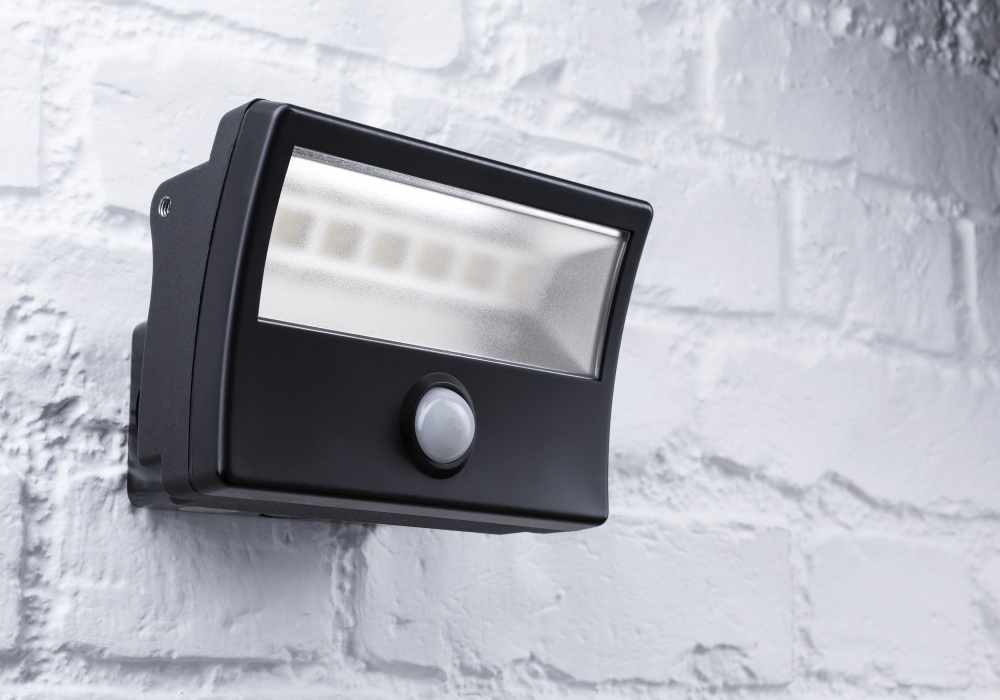 MIGHTYLITE LED Security Floodlight with PIR